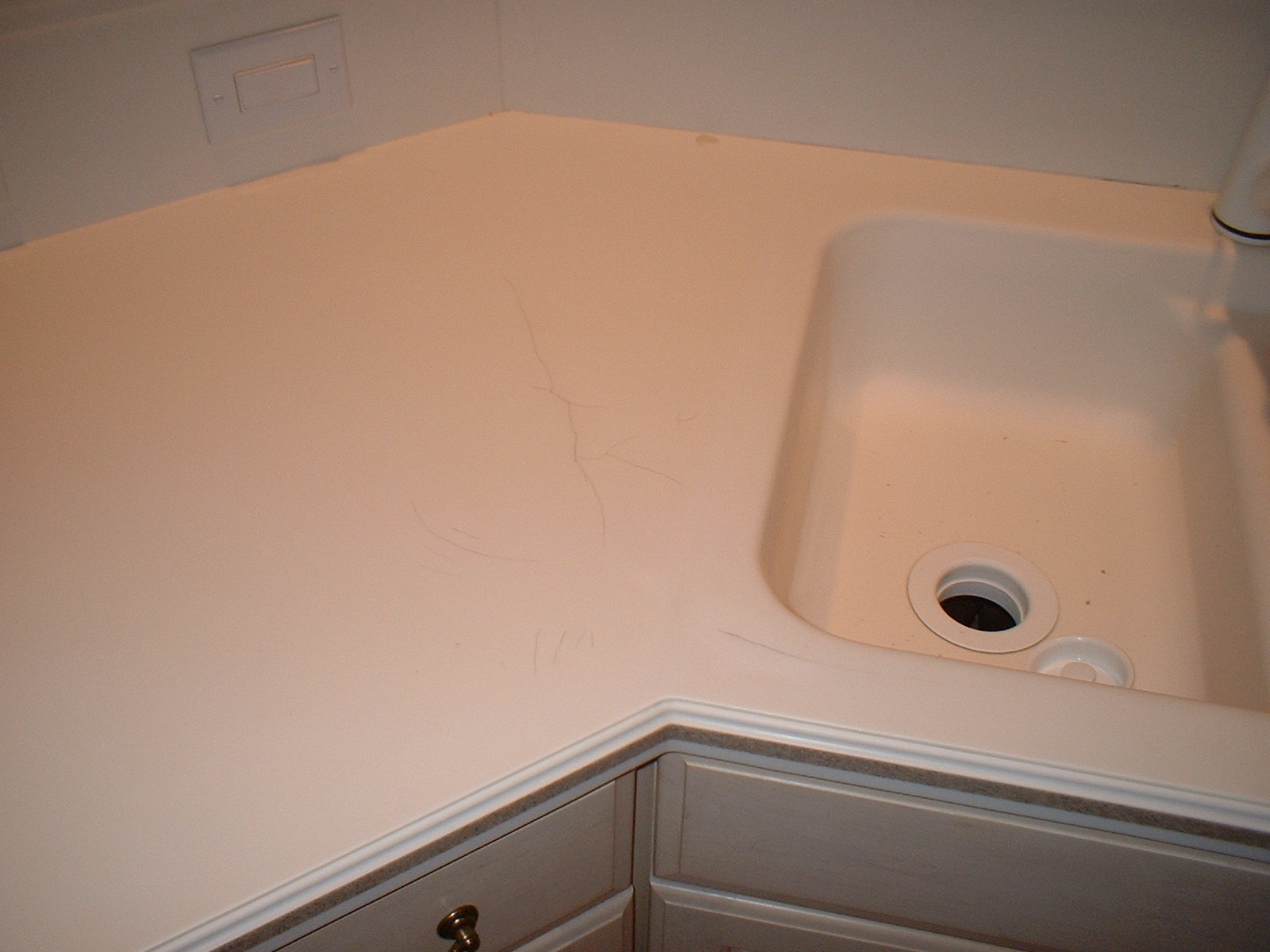 Repair Cracked And Broken Corian, Wilsonart Gibraltar Solid Surface  Countertop, Any Damage Can Be Repaired