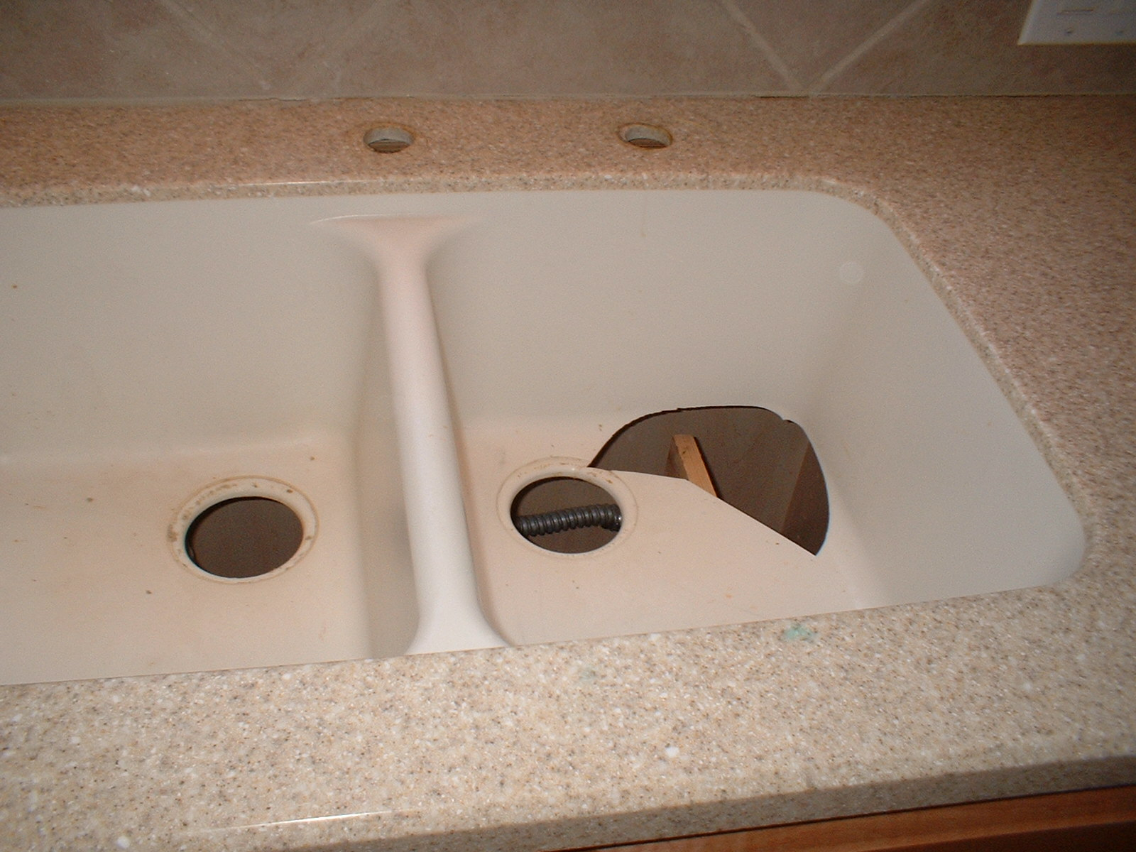 Genial How To Repair A Chipped Sink How To Fix A Chipped Bathtub